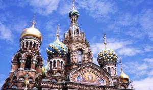 39. San Pietroburgo - chiesa del Salvatore sul sangue versato - cupole1